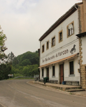 Bar-Restaurante el Asturcón, Alto La Llama. The start point for our hike up the Sueve